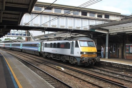 Direct train route from Ipswich to London