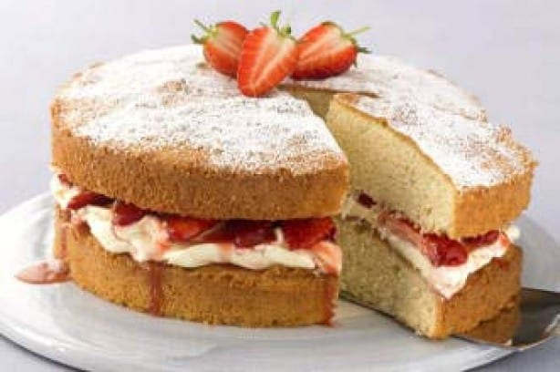 Victoria sponge with strawberries
