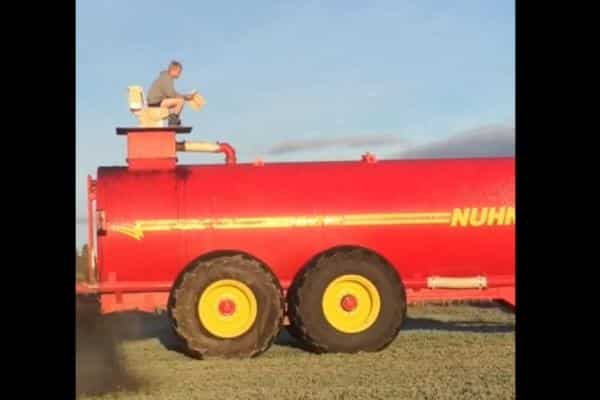 Toilet helps muck spreader
