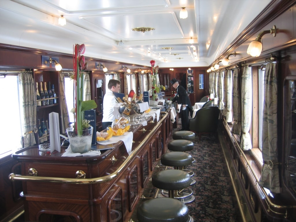 London Underground introduces First Class Carriages -- With A Bar!